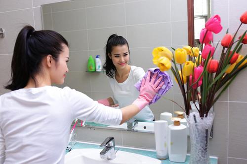Cách vệ sinh cửa kính đơn giản nhất
